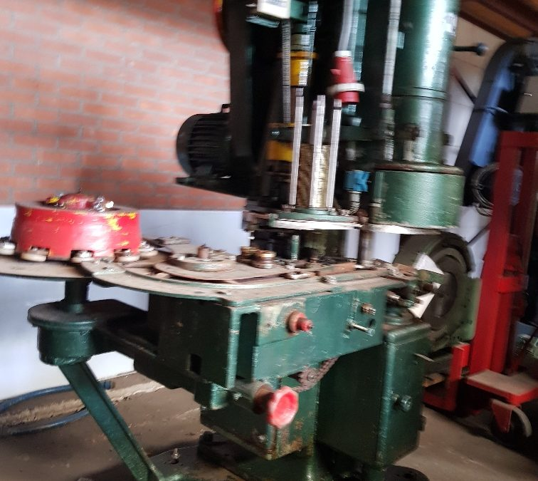 Automatic Karges Hammer PH5 seamer
