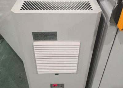 Plastic handle welder cooling unit