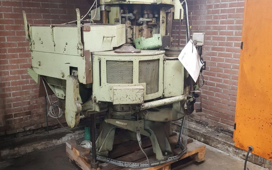 Metalbox GCR700 automatic seamer
