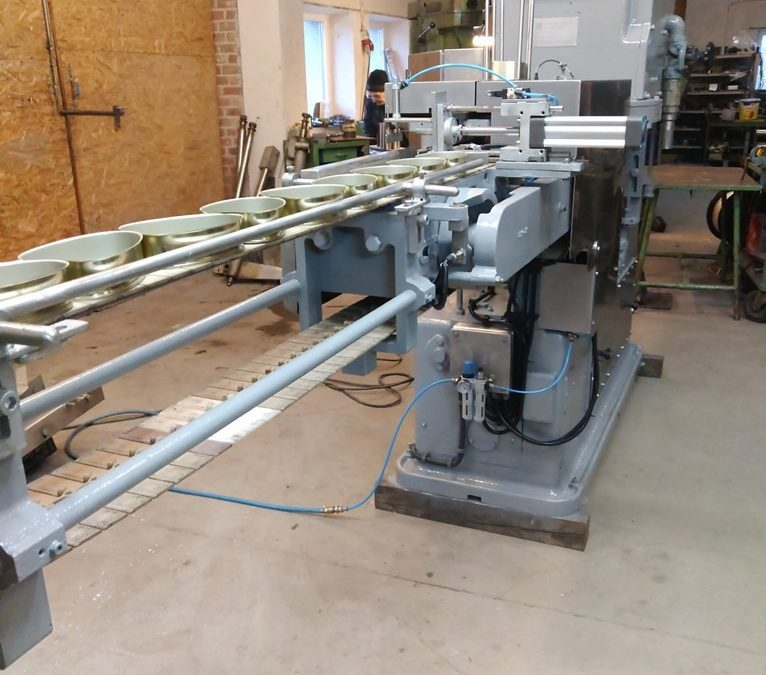 Cameron / FMC vacuum seamer type 216 for pear shaped cans