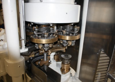 Automatic seamer Angelus 40P seaming heads 2