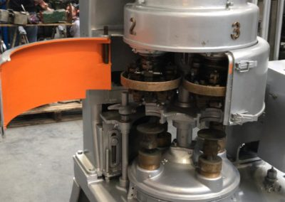 Angelus seamer sluitmachine type 29P with open cover