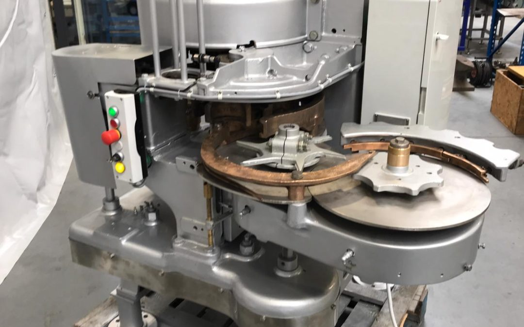 Angelus 29P Automatic seamer for round cans tooled for approx 99mm machine will come with new seaming rolls
