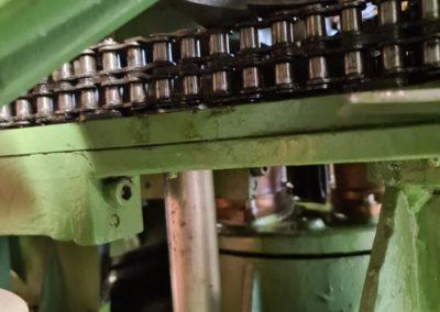Inside HCM 550 can seamer