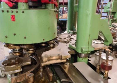 complete seaming head HCM550