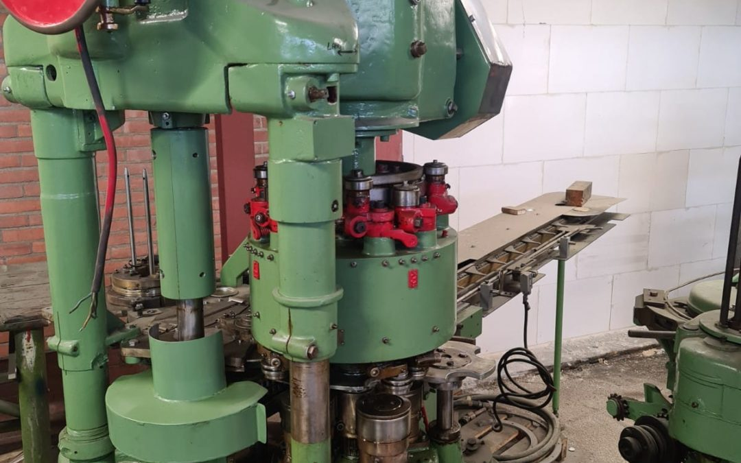 IMC/FMC/CCC HCM type 550 automatic seamer