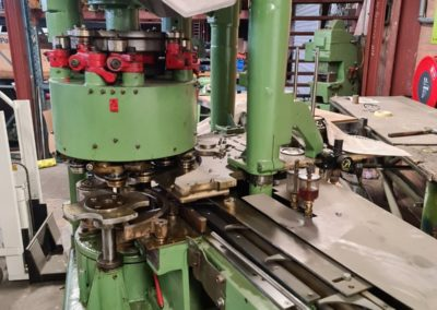 picture HCM seamer for cans